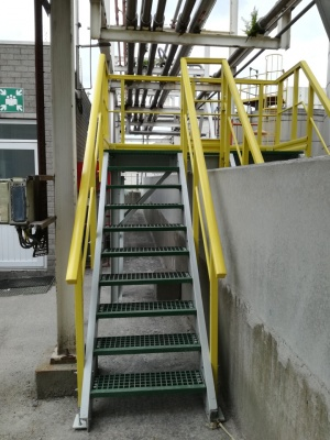 300_trappen_gvk_fiberstruct_kunststof_roosters_constructies_fiber_grp_gratings_staircase_trap.jpg
